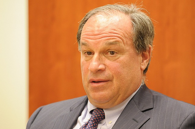 State Treasurer Dan Schwartz expresses his desire to expand the ESA coverage. (Photo by Mark Damon, Las Vegas Review-Journal)