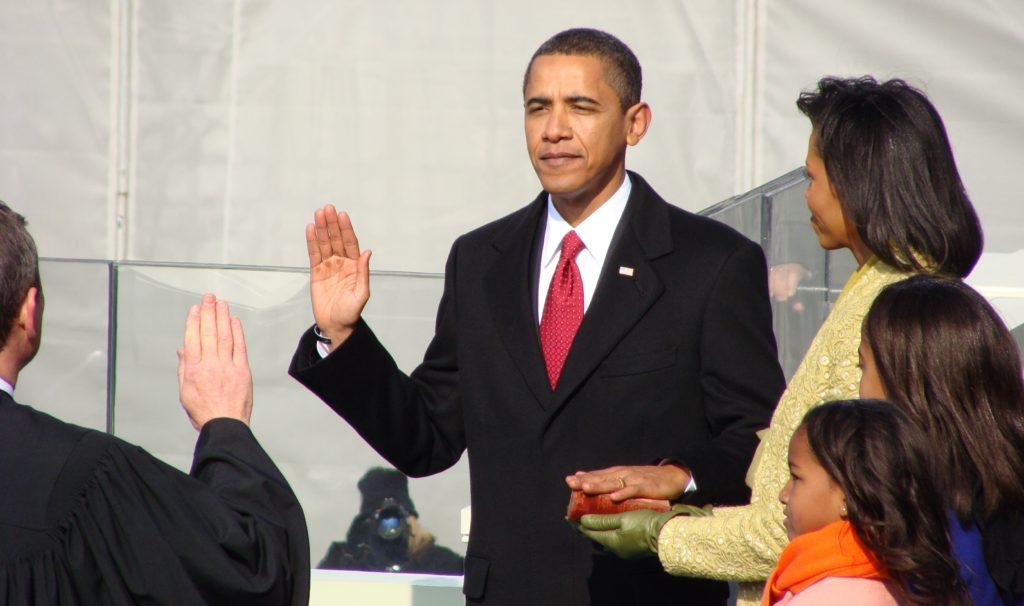 Obama_swearing_in