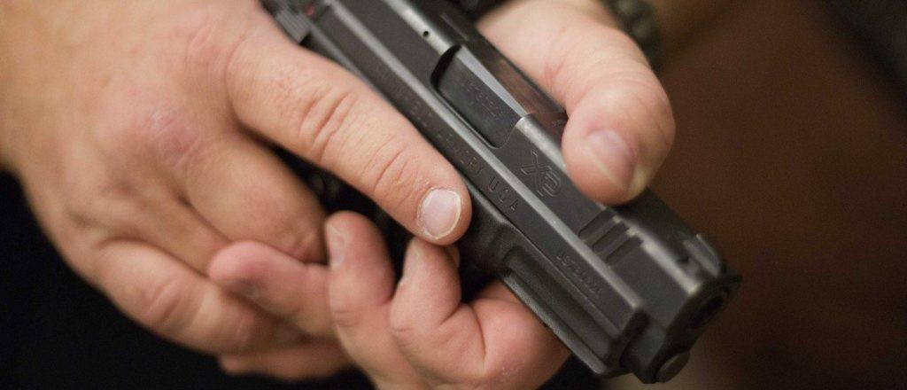 firearms-instructor-handgun-reuters-e1422905218789