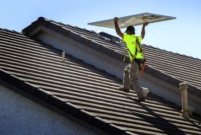 Solar panels being installed. (Jeff Scheid/Las Vegas Review-Journal)