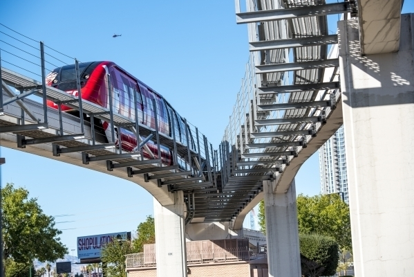 Las Vegas Monorail's expansion to Mandalay Bay is nearing to actualization after Clark County commissioners voted for approval the 2000 resolution allowing investment earnings from Las Vegas Monorail account to be utilized for the expansion's startup. (Courtesy: Las Vegas Review Journal)